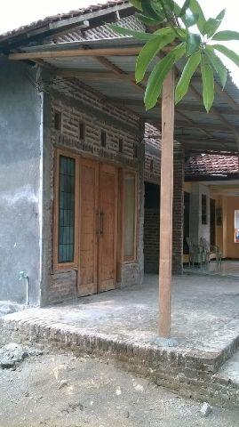 Fasad Unik Carport di Teras